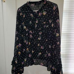 Black floral top 🖤